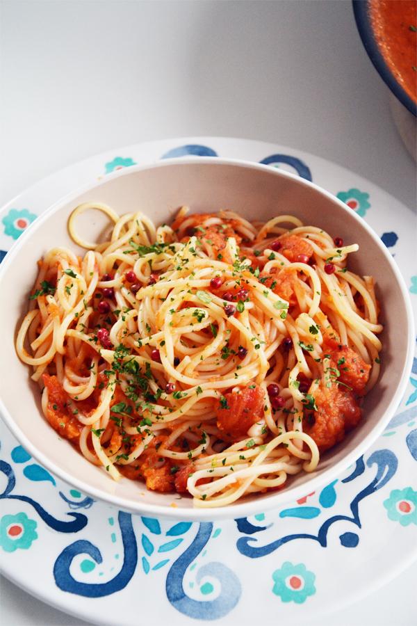 Makaron z dynią i sosem pomidorowym 2