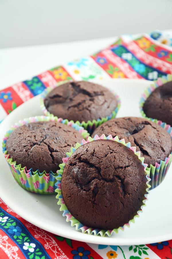 czekoladowe babeczki z malinami i chili 3