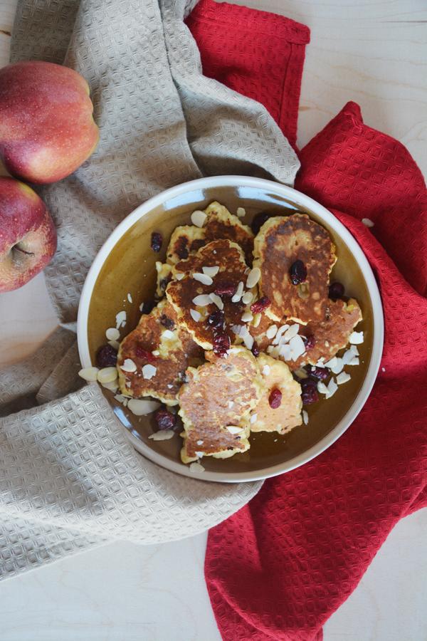 wegańskie racuchy z jabłkami 1