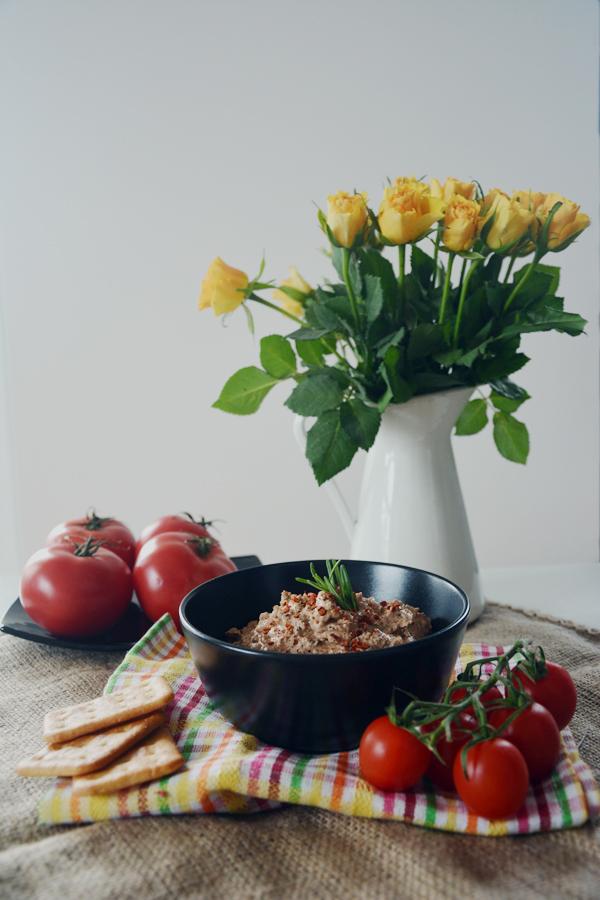 pasta do chleba pomidory z ricotta 1